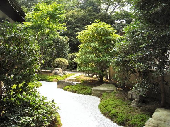 神崎寺中庭2